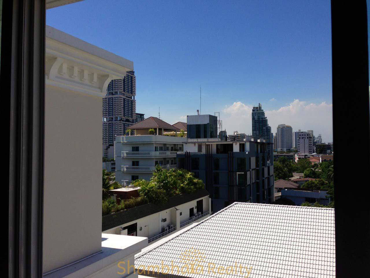 Shambhala Realty Agency's For Sale: La Vie En Rose, 3 Bed/4 Bath, Good location condo in Thonglor area 7