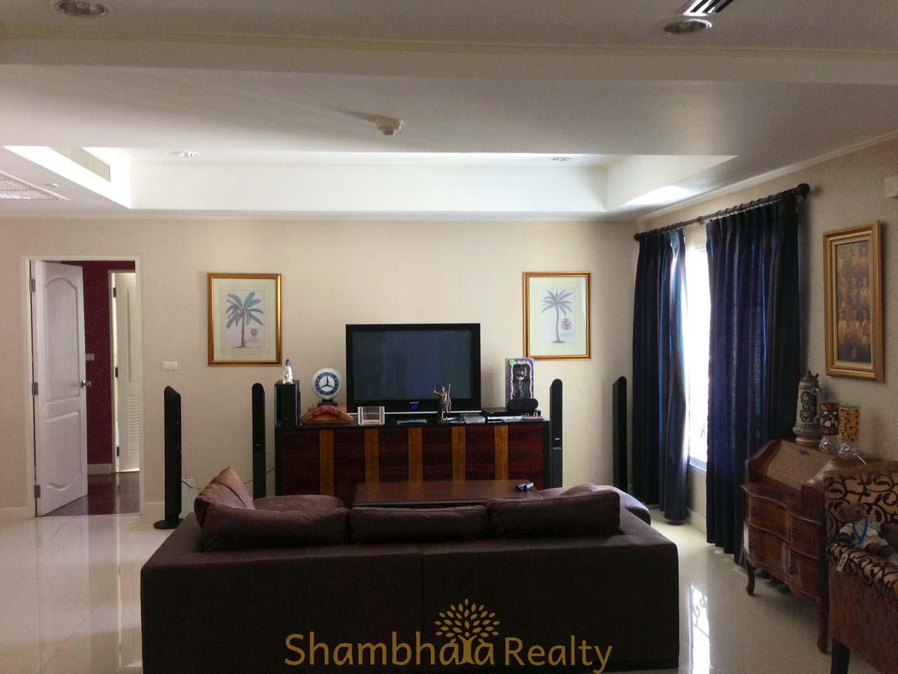 Shambhala Realty Agency's For Sale: La Vie En Rose, 3 Bed/4 Bath, Good location condo in Thonglor area 1