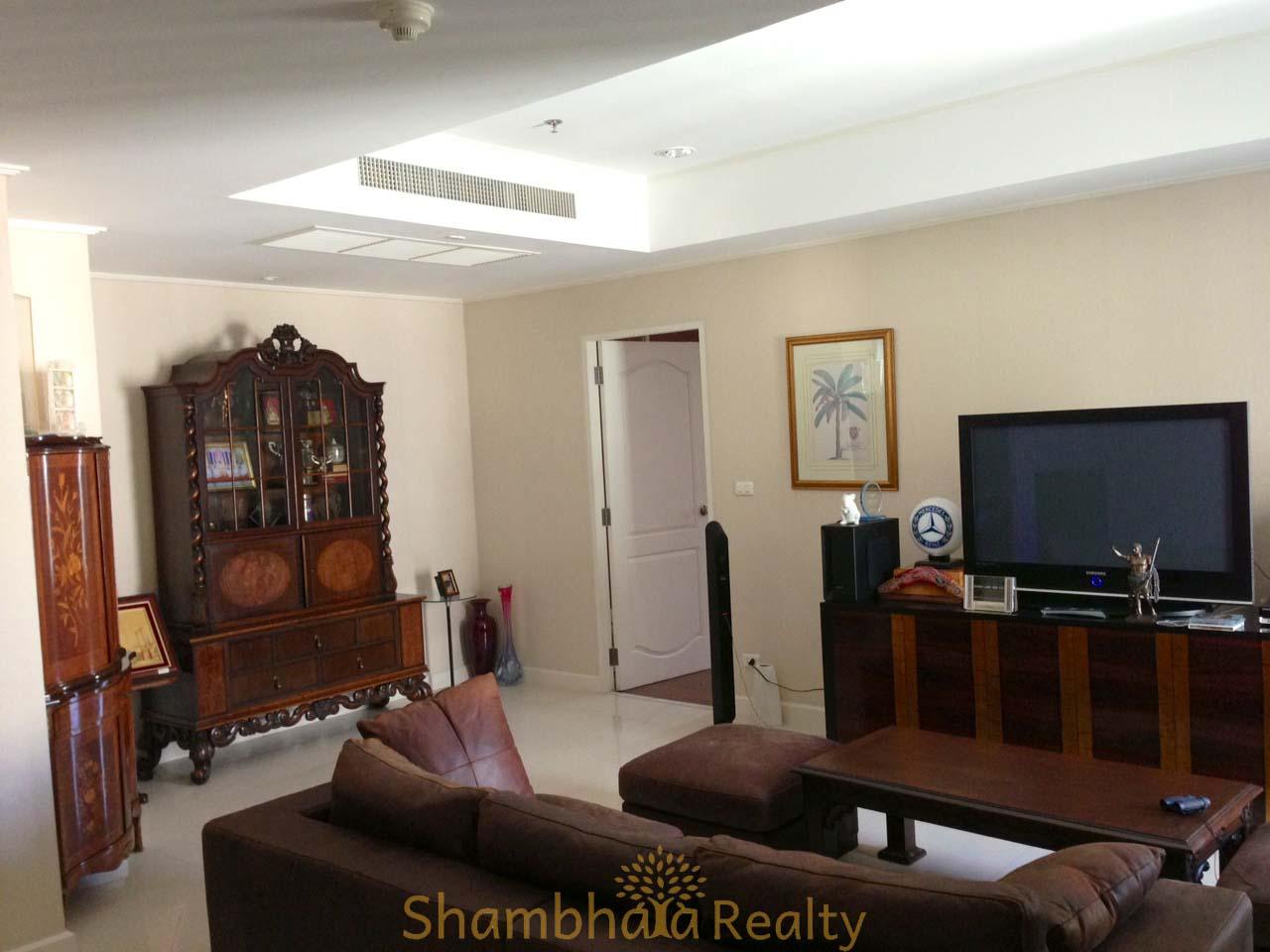 Shambhala Realty Agency's For Sale: La Vie En Rose, 3 Bed/4 Bath, Good location condo in Thonglor area 2