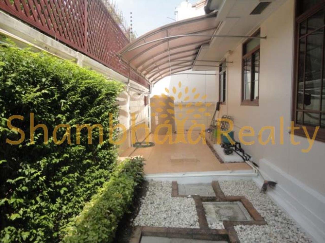 Shambhala Realty Agency's Narasiri Village  Condominium for Rent in Srinakarin Soi 20 or Pattanakarn Soi54 38
