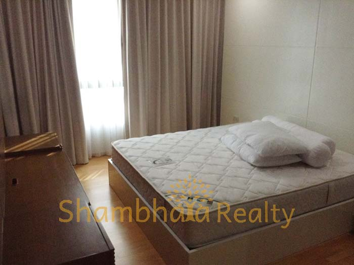 Shambhala Realty Agency's Condo For Rent: Issara @ 42, 2 Bed/2 bath with modern decoration 3