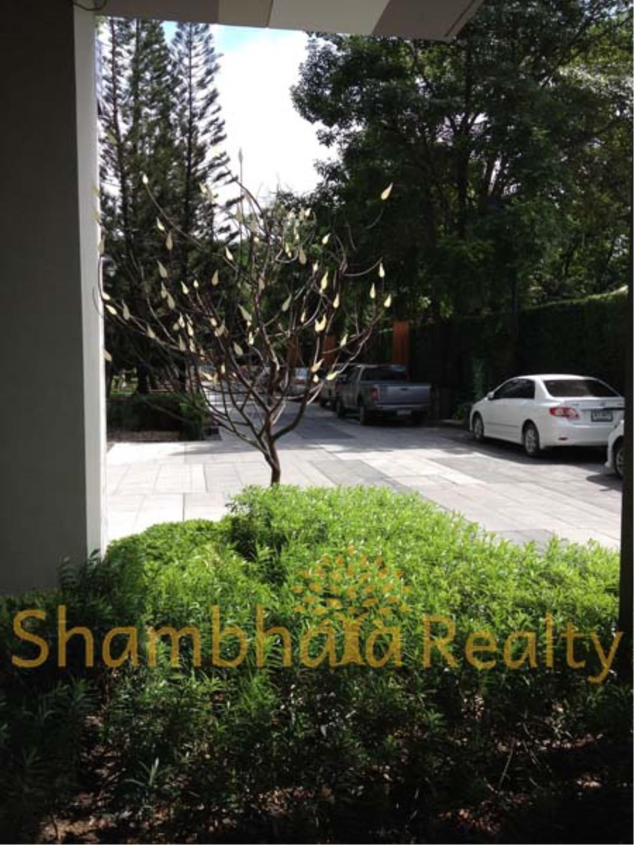 Shambhala Realty Agency's Ashton - Ideo Mophh 38 Condominium for Sale/Rent in Sukhumvit 38 10
