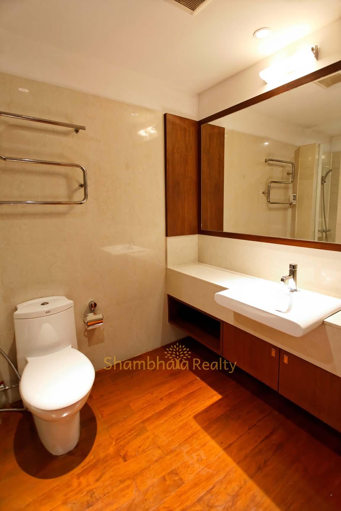 Shambhala Realty Agency's 4BR Levara Residence Luxury Duplex at Sukhumvit 24 6