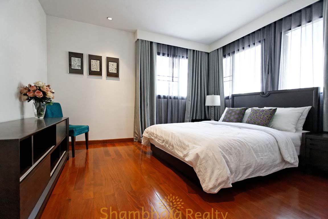 Shambhala Realty Agency's 4BR Levara Residence Luxury Duplex at Sukhumvit 24 9