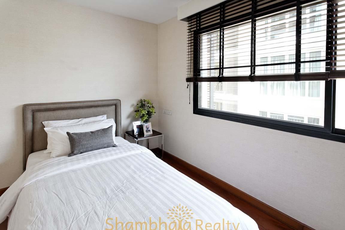 Shambhala Realty Agency's 4BR Levara Residence Luxury Duplex at Sukhumvit 24 13