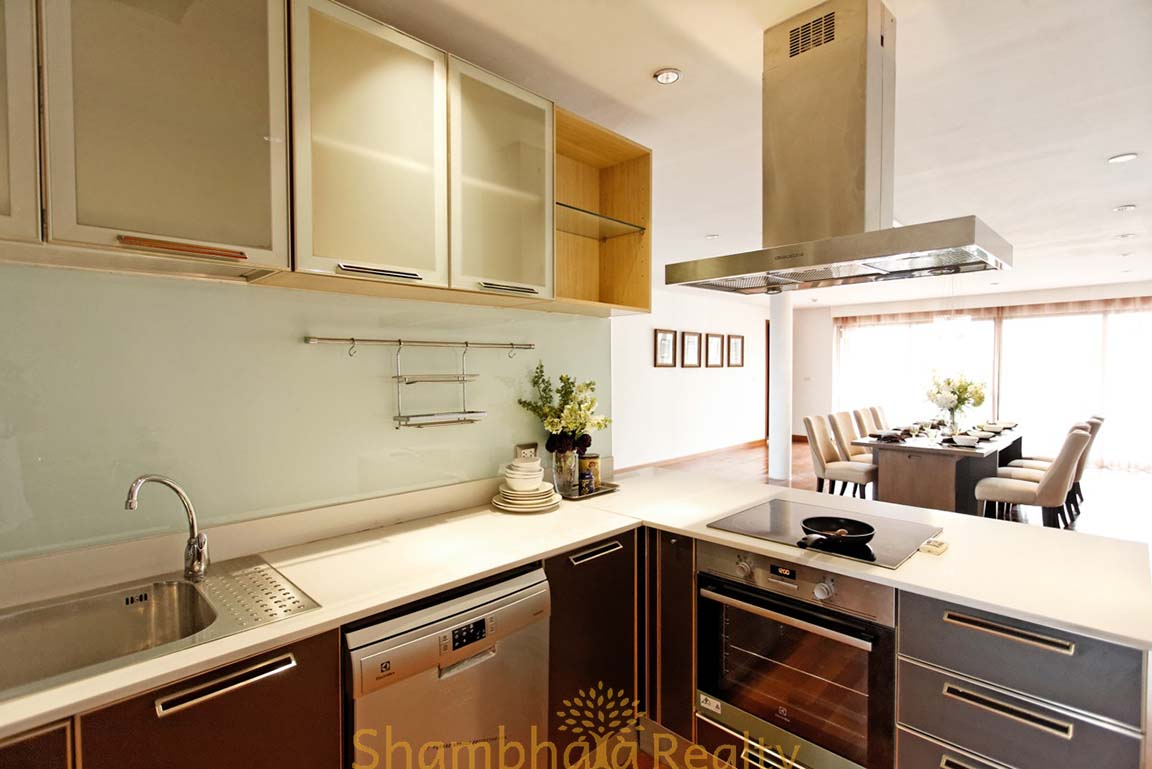 Shambhala Realty Agency's 4BR Levara Residence Luxury Duplex at Sukhumvit 24 17