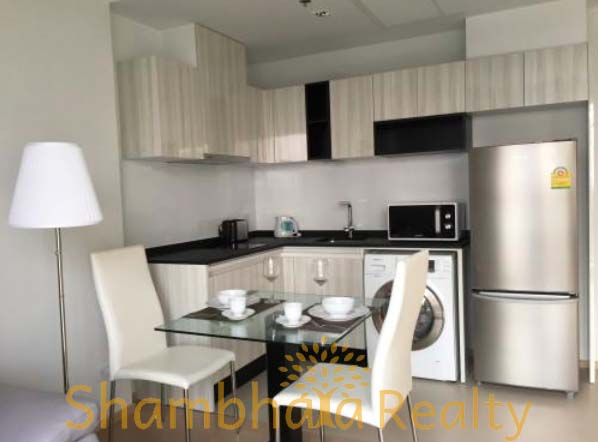 Shambhala Realty Agency's HQ at Thonglor 1BR Condo 2