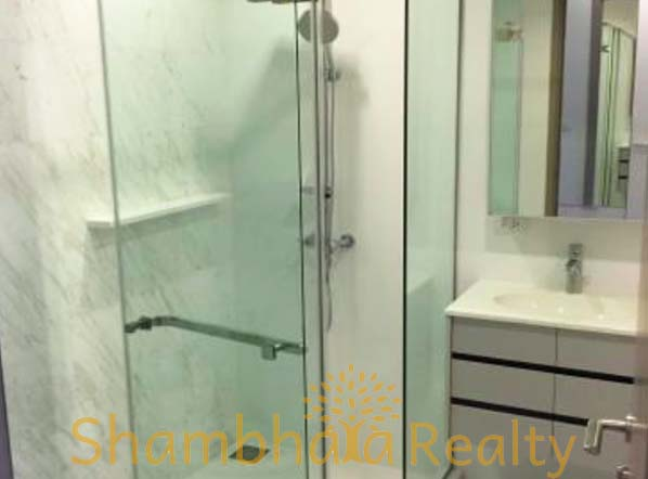Shambhala Realty Agency's HQ at Thonglor 1BR Condo 6