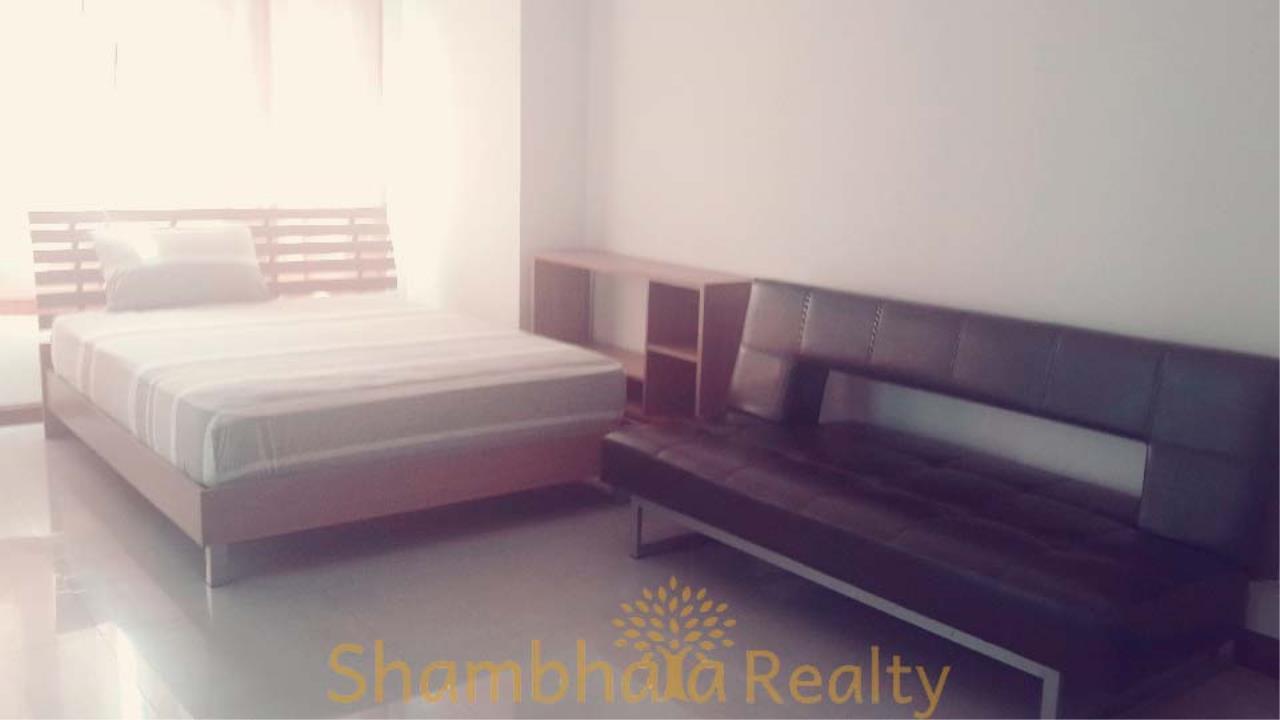 Shambhala Realty Agency's Condo One Thonglor Condominium for Sale in Sukhumvit 40 1