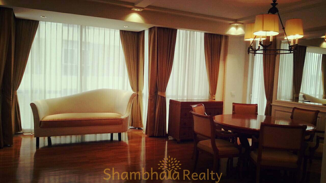 Shambhala Realty Agency's Langsuan Ville condominium 2 Bedrooms 2 Bathrooms 130 sq.m. 2