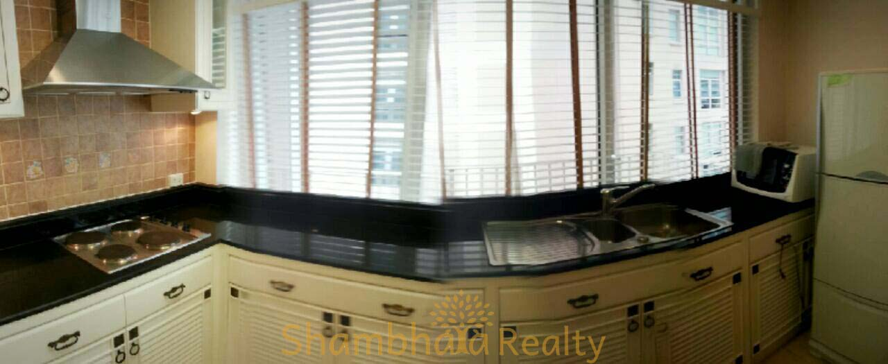 Shambhala Realty Agency's Langsuan Ville condominium 2 Bedrooms 2 Bathrooms 130 sq.m. 6