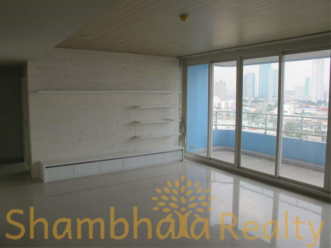Shambhala Realty Agency's Watermark Chaophraya Condominium Condominium for Sale in Charoen Nakorn Rd 16