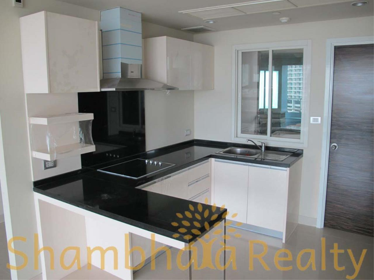 Shambhala Realty Agency's Watermark Chaophraya Condominium Condominium for Sale in Charoen Nakorn Rd 4