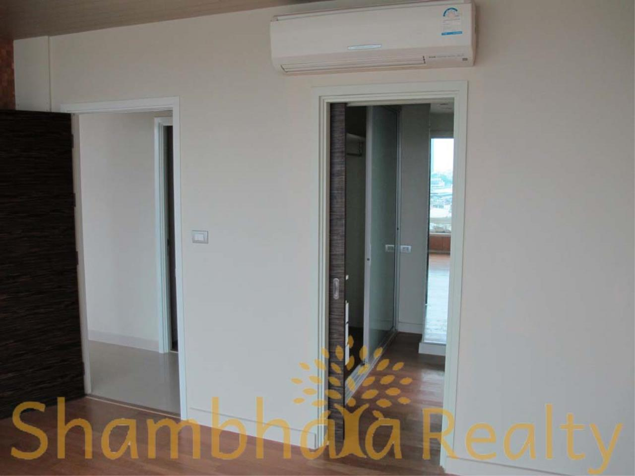 Shambhala Realty Agency's Watermark Chaophraya Condominium Condominium for Sale in Charoen Nakorn Rd 11