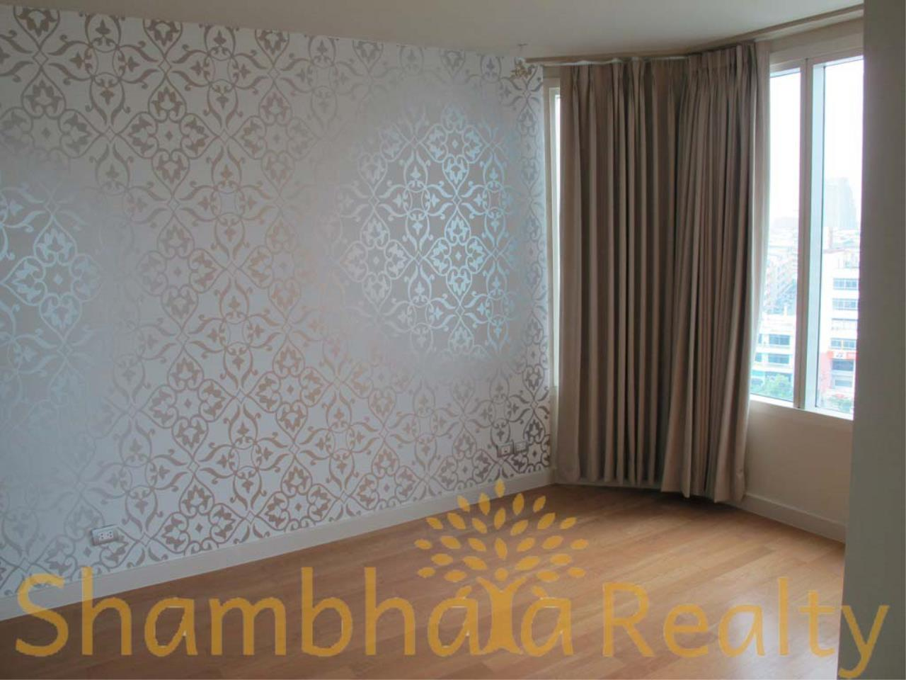 Shambhala Realty Agency's Watermark Chaophraya Condominium Condominium for Sale in Charoen Nakorn Rd 1