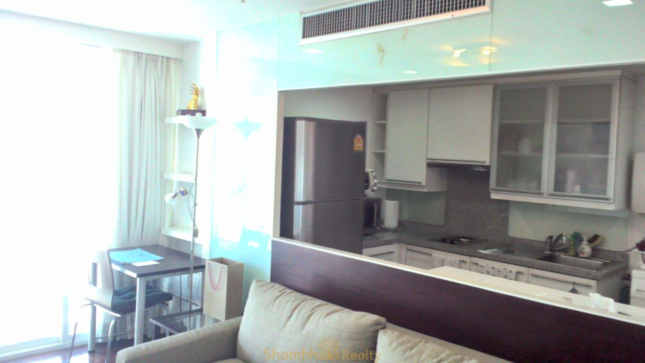 Shambhala Realty Agency's Urbana Langsuan Condominium for Rent 2
