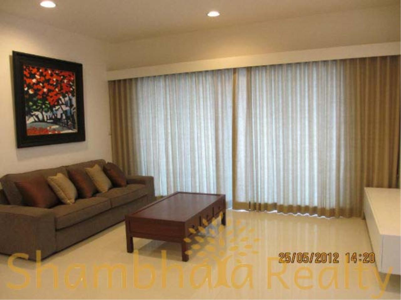 Shambhala Realty Agency's Royal Maneeya Condominium for Sale in Chidlom 6