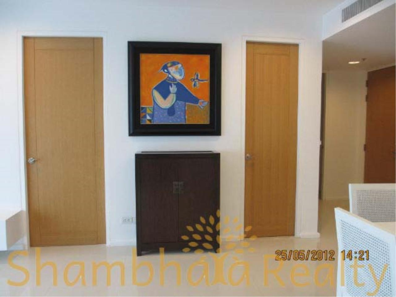 Shambhala Realty Agency's Royal Maneeya Condominium for Sale in Chidlom 7