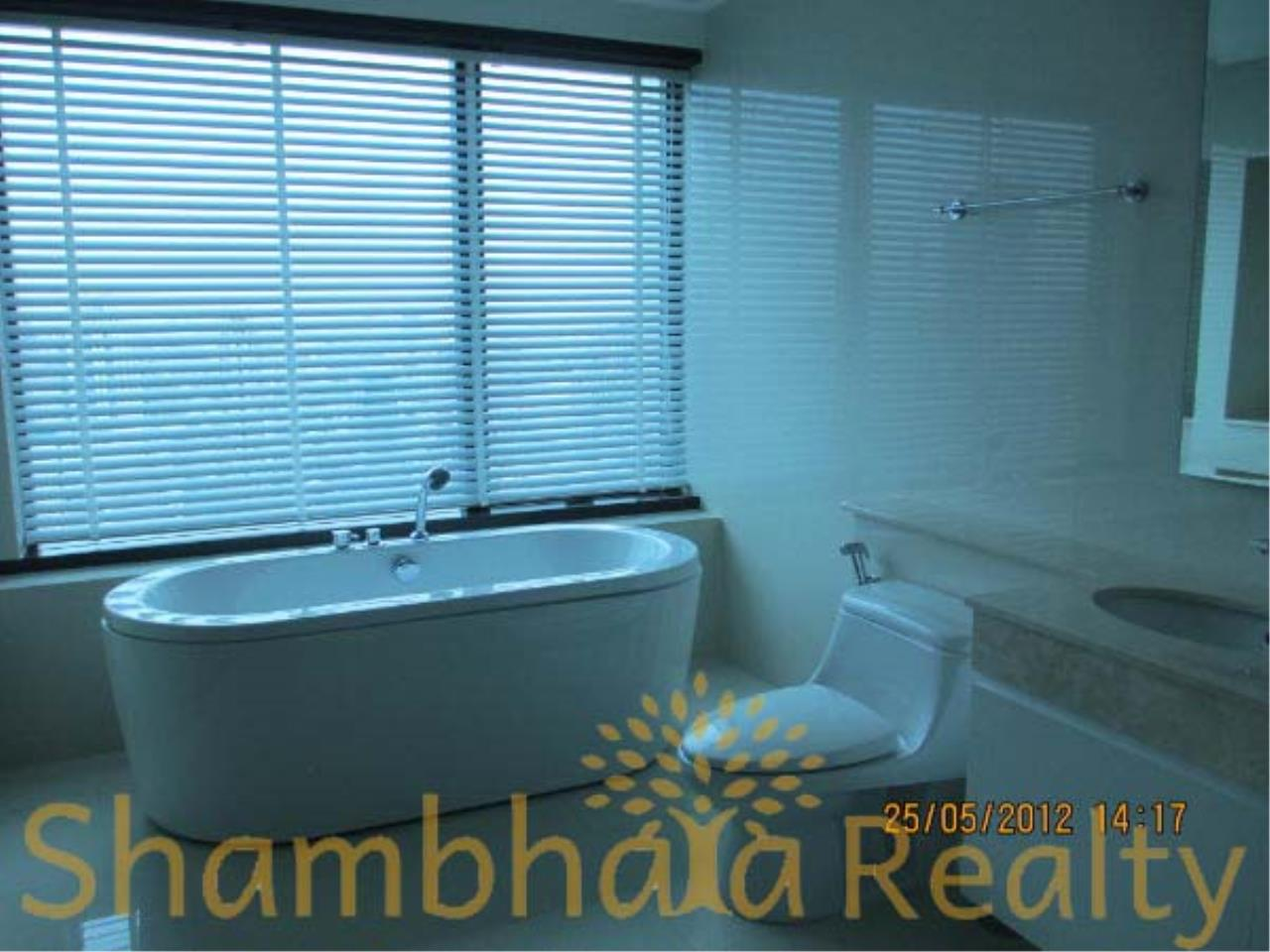 Shambhala Realty Agency's Royal Maneeya Condominium for Sale in Chidlom 3