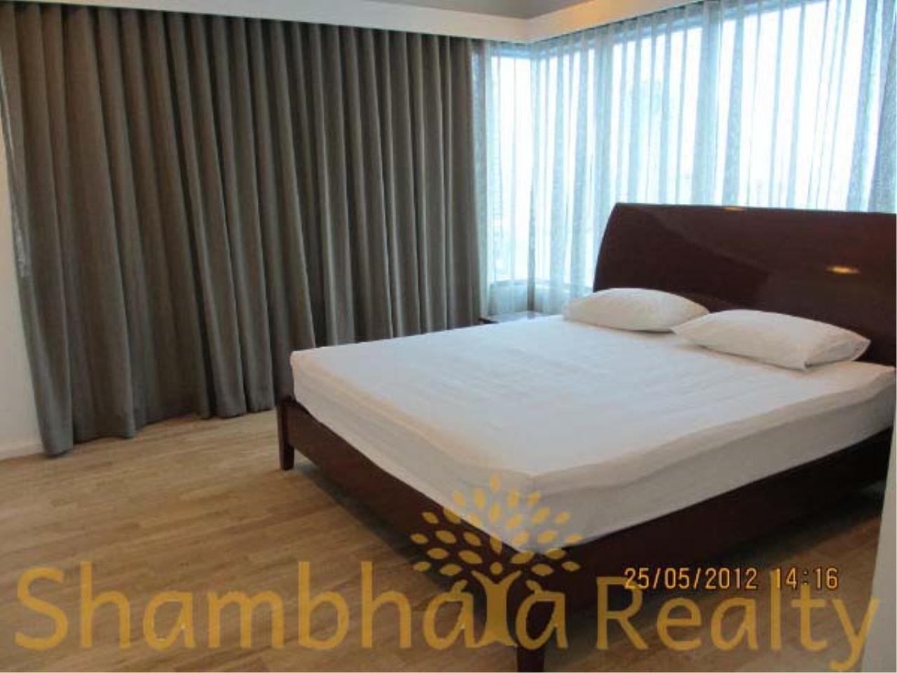 Shambhala Realty Agency's Royal Maneeya Condominium for Sale in Chidlom 2