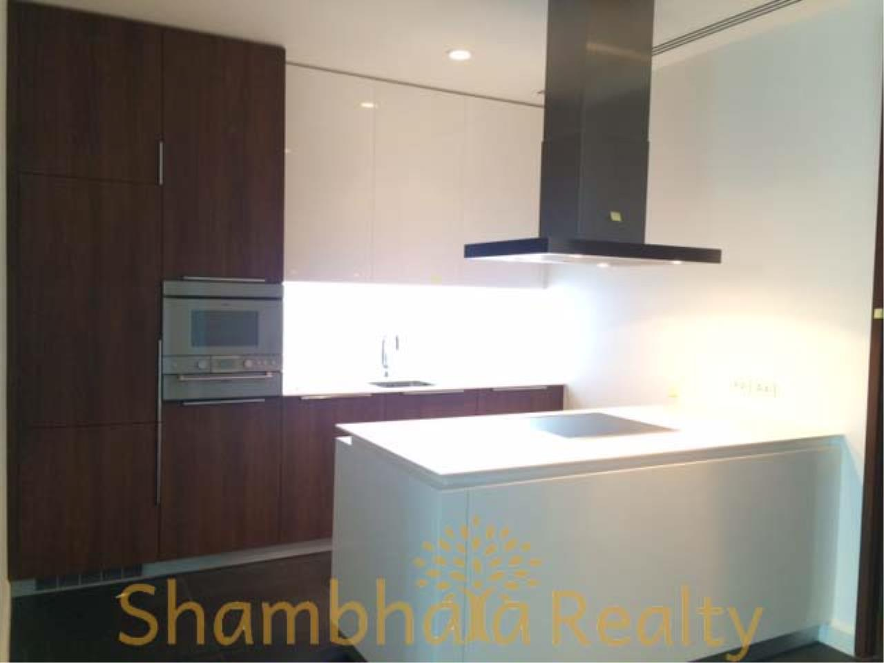 Shambhala Realty Agency's 185 Rajadamri Condominium for Sale/Rent in Rajadamri Road, Lumpini, Pathumwan 1