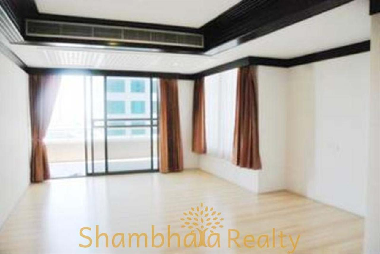 Shambhala Realty Agency's Asok Place Condominium for Rent in Sukhumvit 21 6