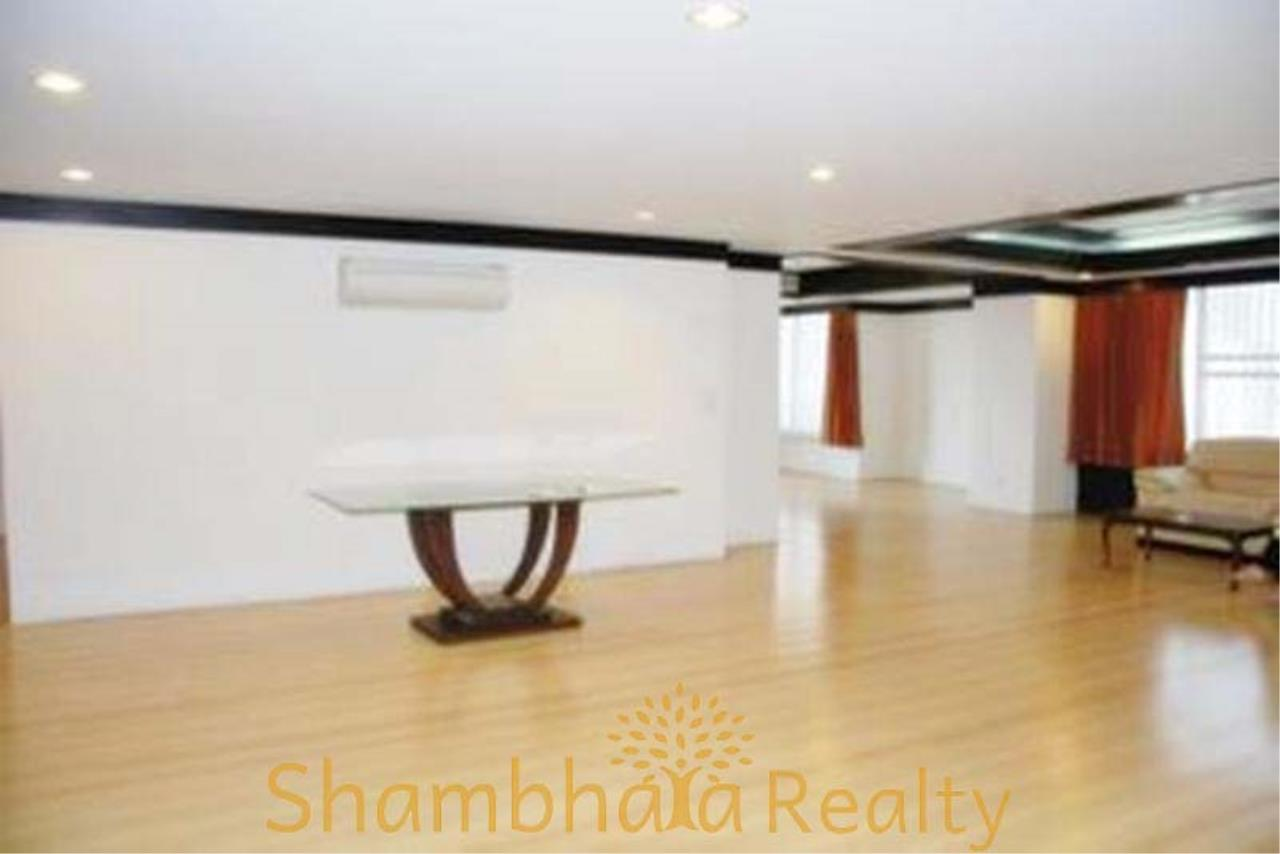 Shambhala Realty Agency's Asok Place Condominium for Rent in Sukhumvit 21 1