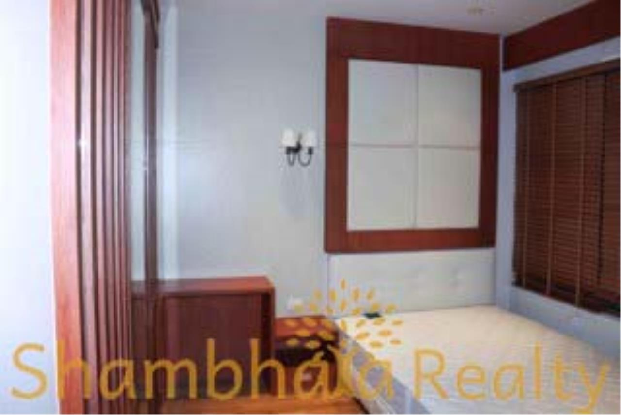 Shambhala Realty Agency's The Emporio Place Condominium for Rent in Sukhumvit 24 13