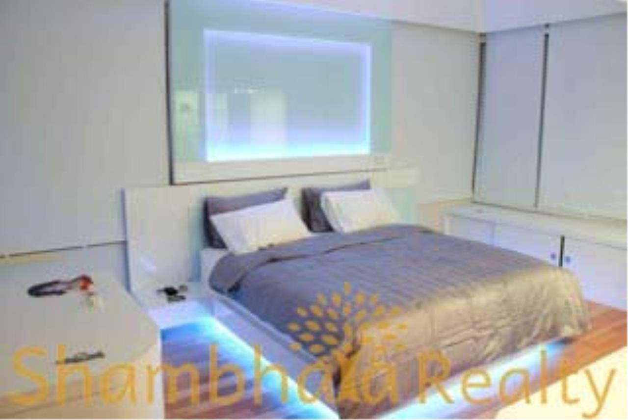 Shambhala Realty Agency's The Emporio Place Condominium for Rent in Sukhumvit 24 14