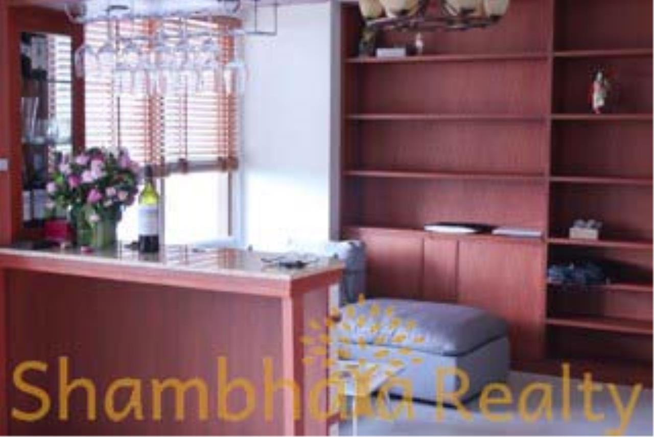 Shambhala Realty Agency's The Emporio Place Condominium for Rent in Sukhumvit 24 8