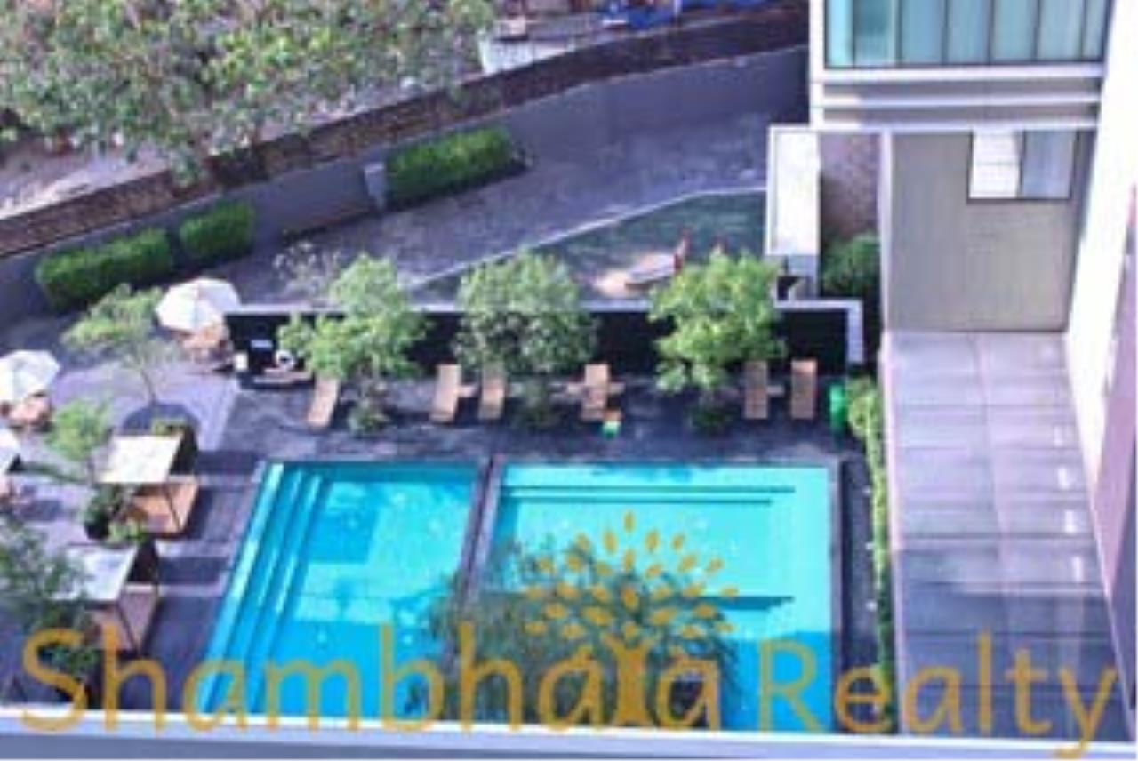 Shambhala Realty Agency's The Emporio Place Condominium for Rent in Sukhumvit 24 35