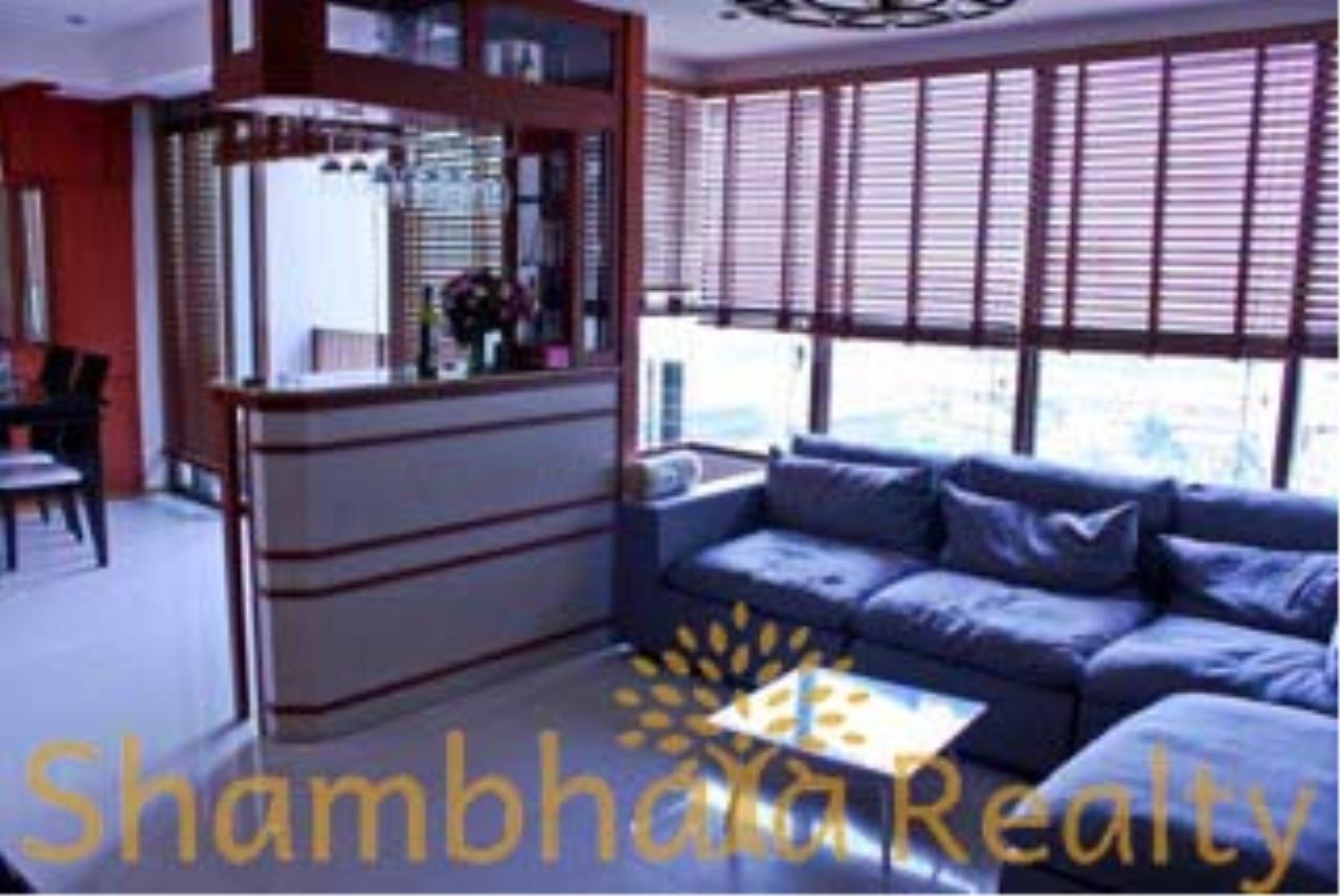 Shambhala Realty Agency's The Emporio Place Condominium for Rent in Sukhumvit 24 34