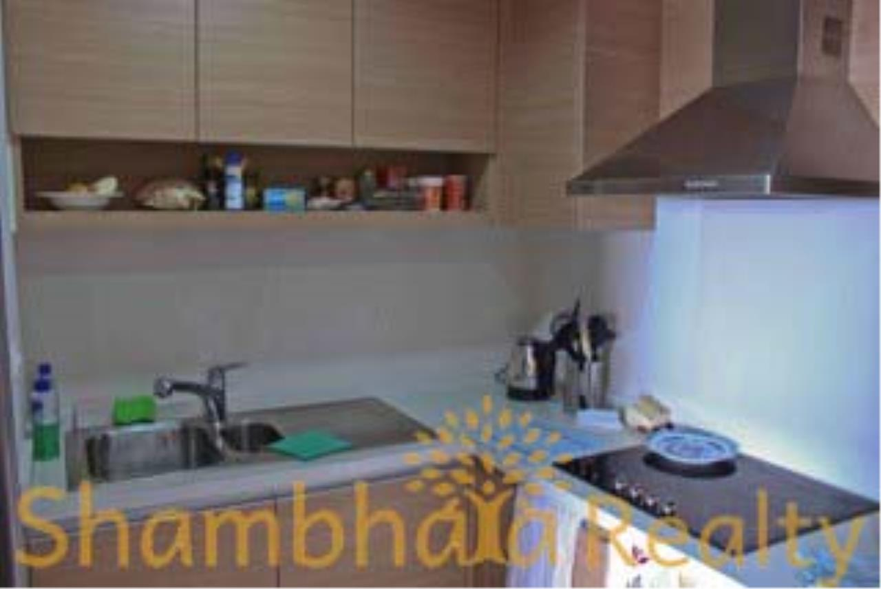 Shambhala Realty Agency's The Emporio Place Condominium for Rent in Sukhumvit 24 6