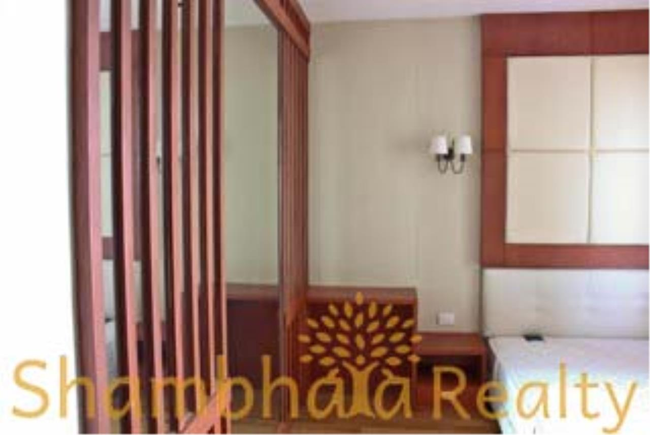Shambhala Realty Agency's The Emporio Place Condominium for Rent in Sukhumvit 24 43