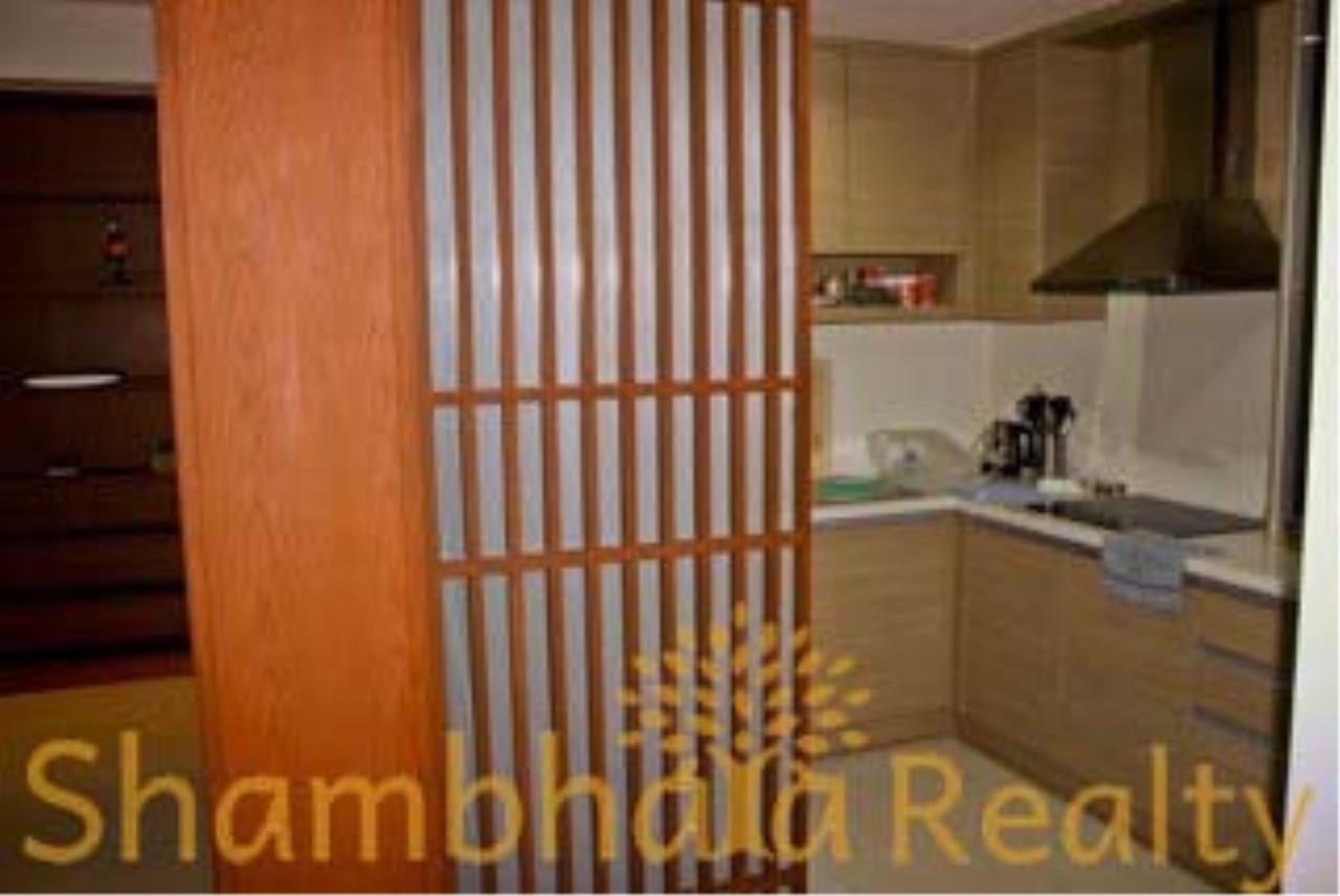 Shambhala Realty Agency's The Emporio Place Condominium for Rent in Sukhumvit 24 18
