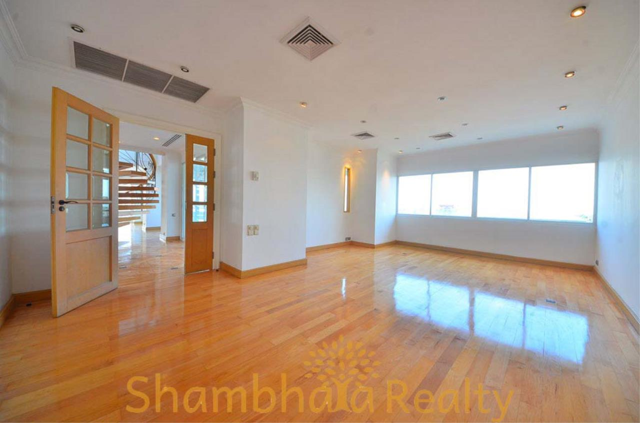 Shambhala Realty Agency's Saichol Mansion Penthouse 360° Panoramic View of the Chao Praya River Condominium for Sale/Rent 17