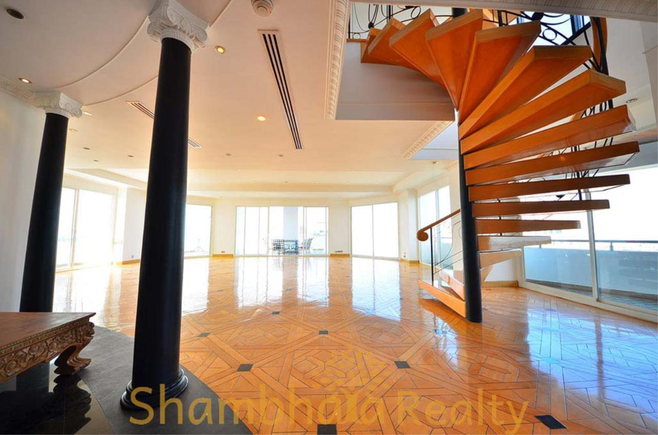 Shambhala Realty Agency's Saichol Mansion Penthouse 360° Panoramic View of the Chao Praya River Condominium for Sale/Rent 6