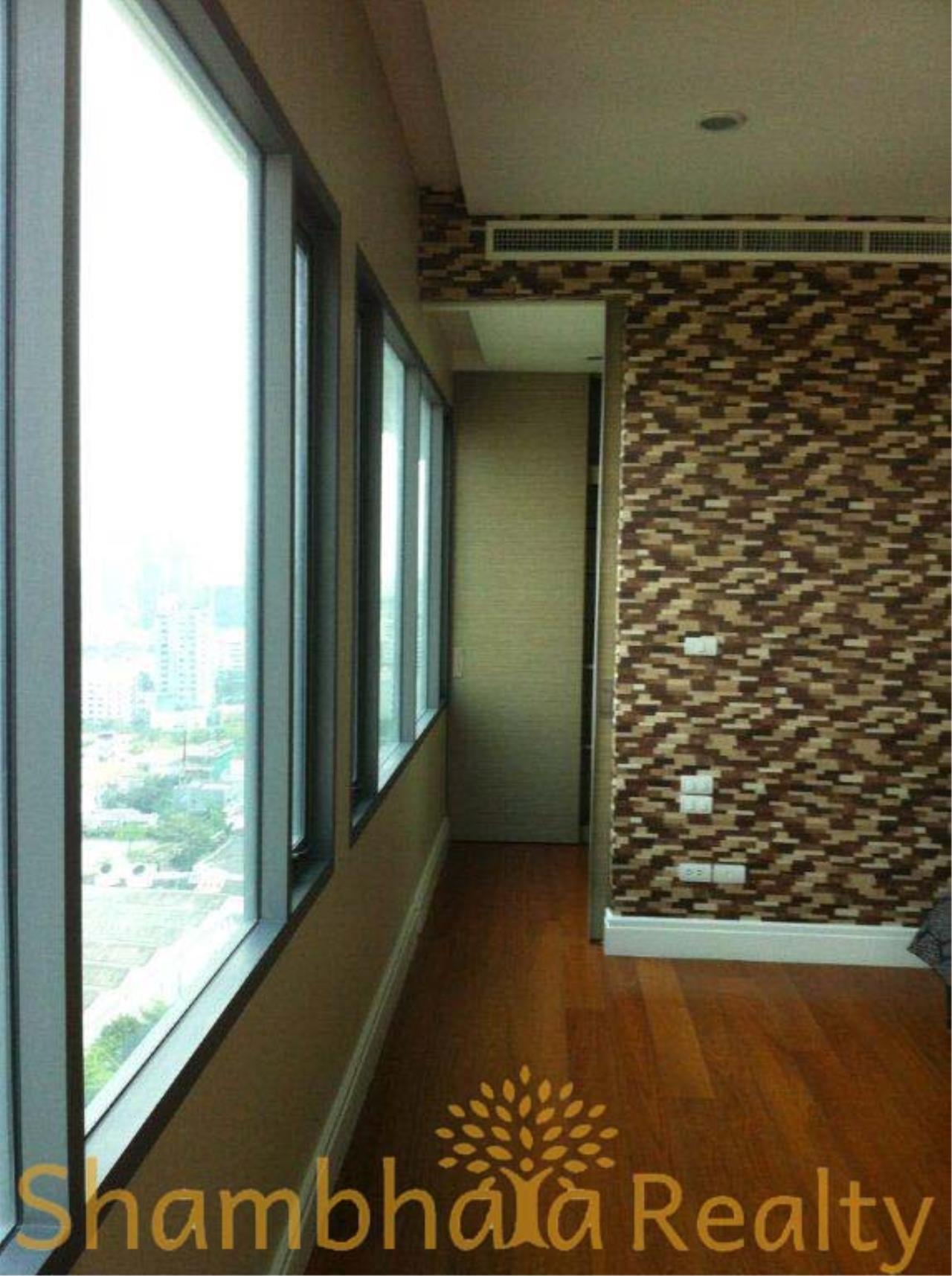 Shambhala Realty Agency's Bright Sukhumvit 24 Condominium for Rent in Sukhumvit 24 7