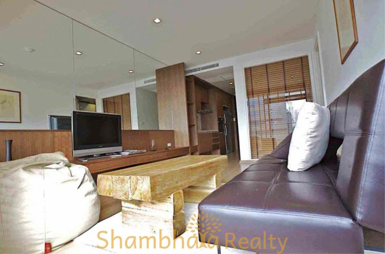 Shambhala Realty Agency's Noble Ambience Sarasin Condominium for Rent in Sarasin ( Ratchadamri ) 2