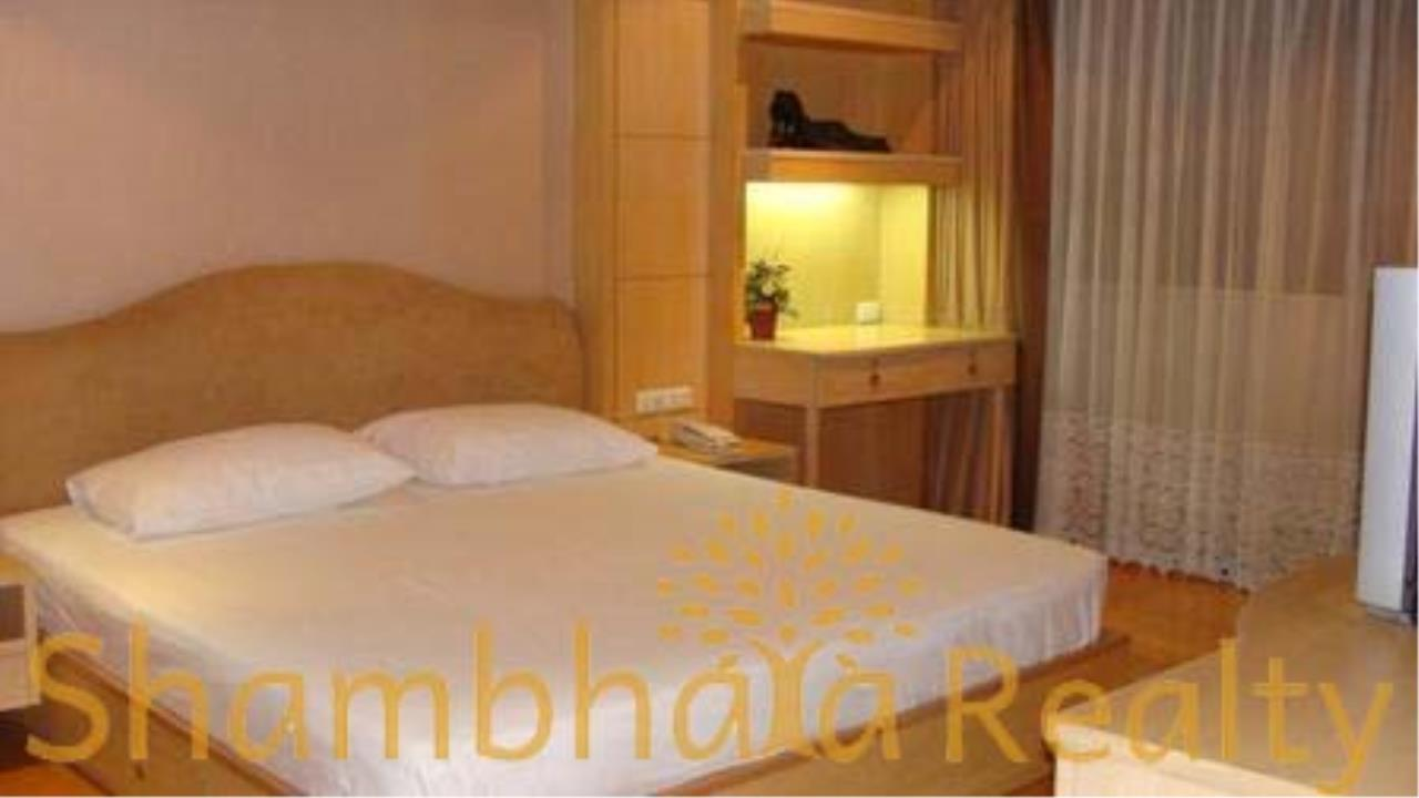 Shambhala Realty Agency's The Royal Place 2 Condominium for Rent in Mahadlek Lung 1