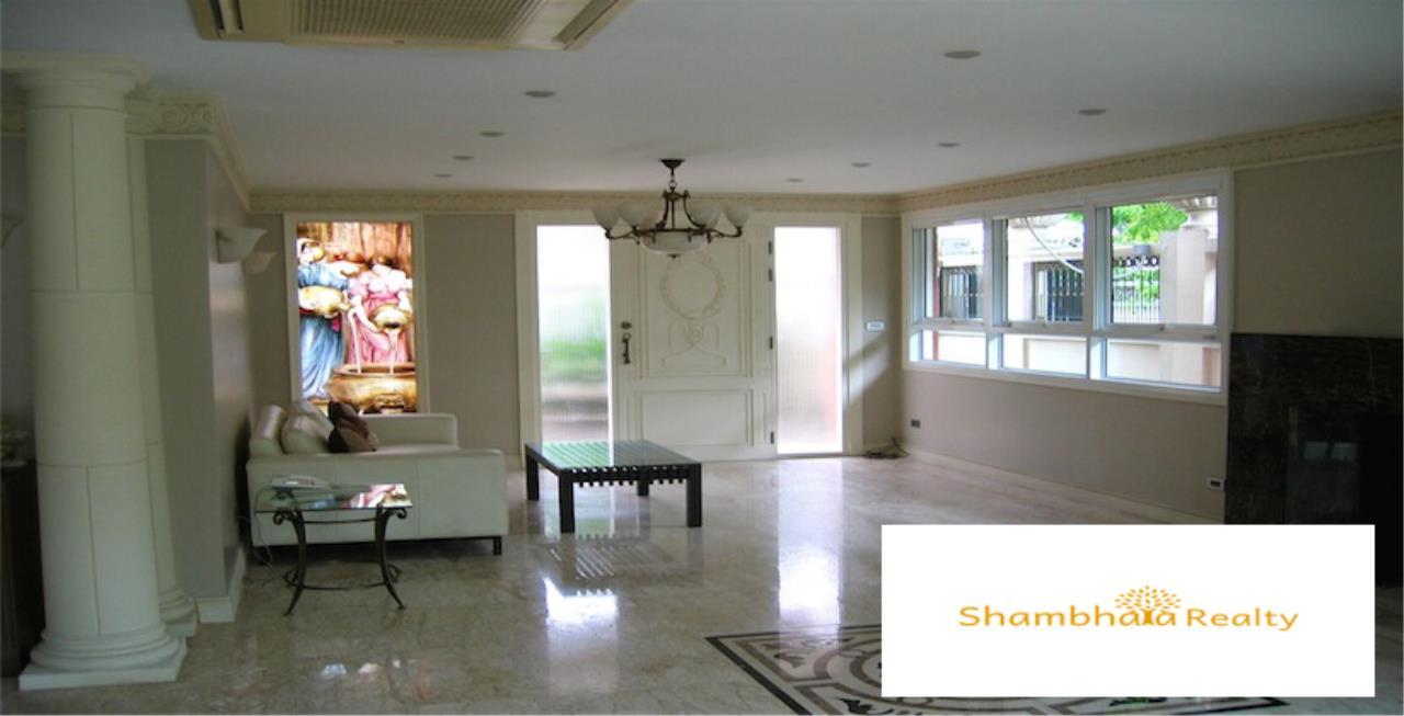 Shambhala Realty Agency's House for Rent at Ekkamai Condominium for Rent in Ekkamai 4