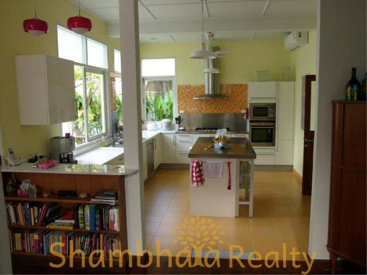 Shambhala Realty Agency's House for rent at Sukhumvit 36 Condominium for Rent in Sukhumvit 36 9