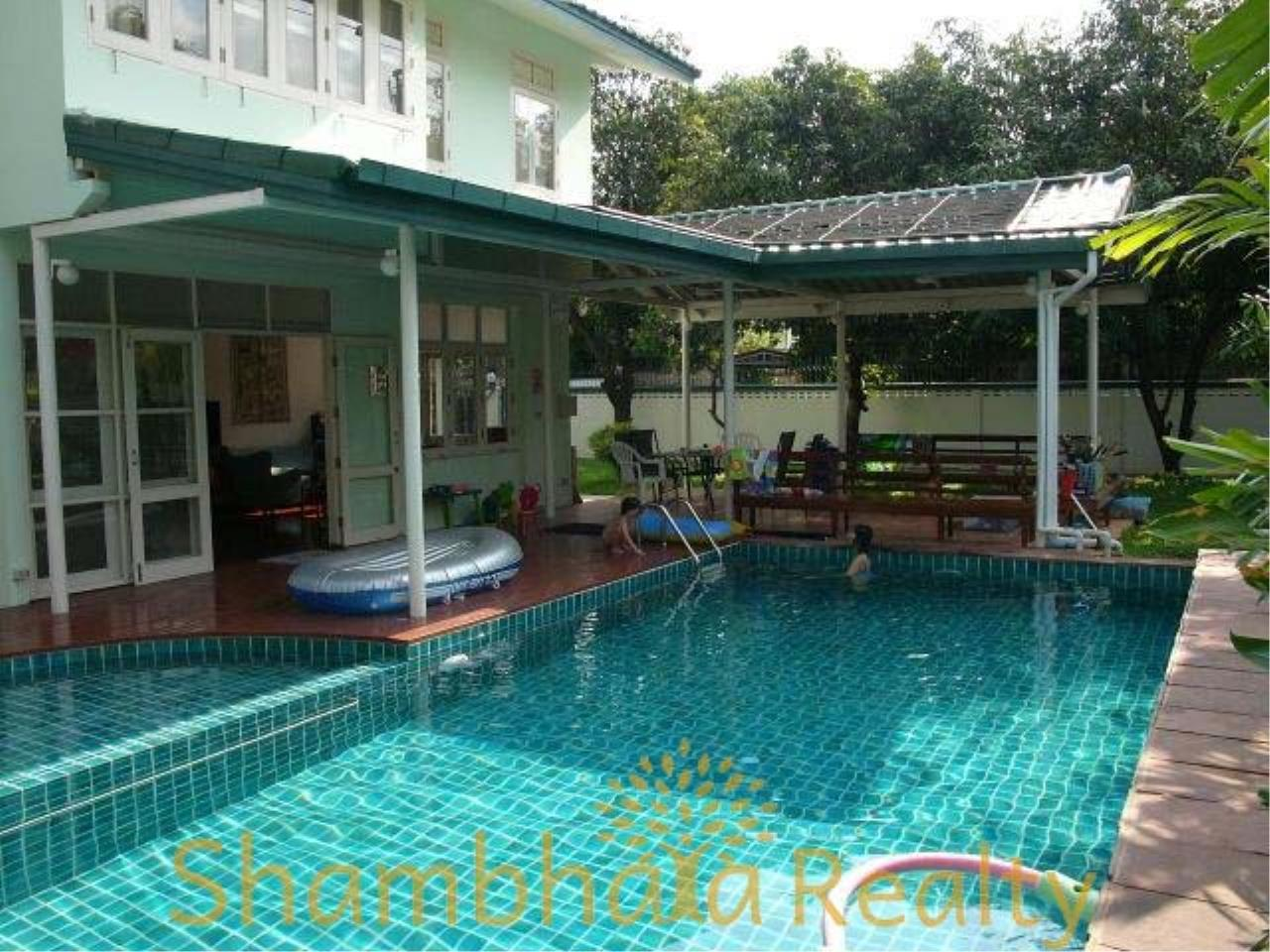 Shambhala Realty Agency's House for rent at Sukhumvit 36 Condominium for Rent in Sukhumvit 36 3
