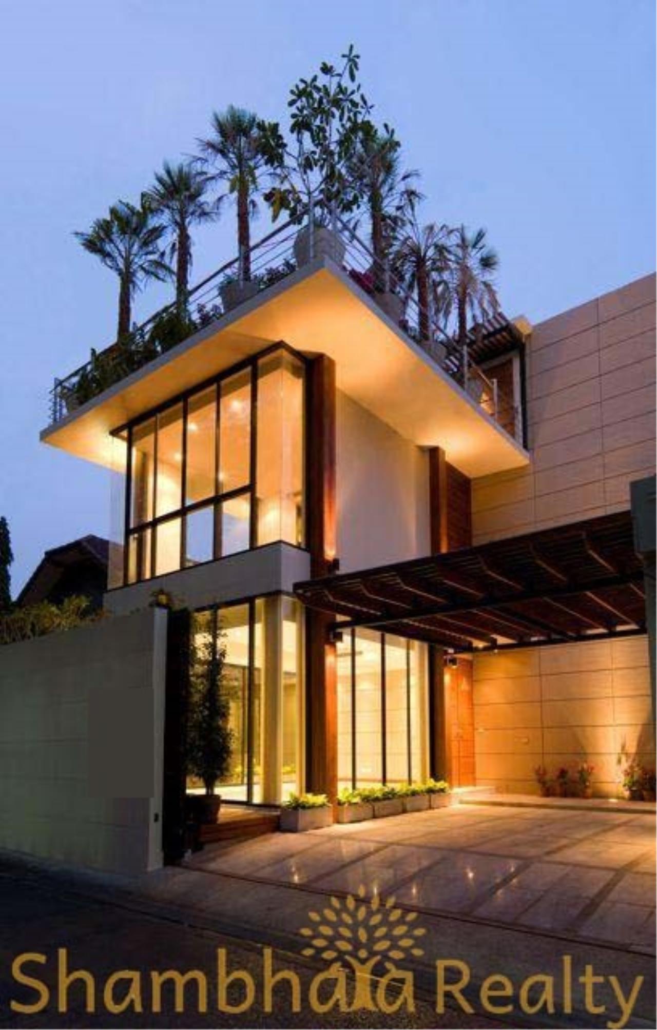 Shambhala Realty Agency's House for rent at Sukhumvit 34 Condominium for Rent in Sukhumvit 34 1