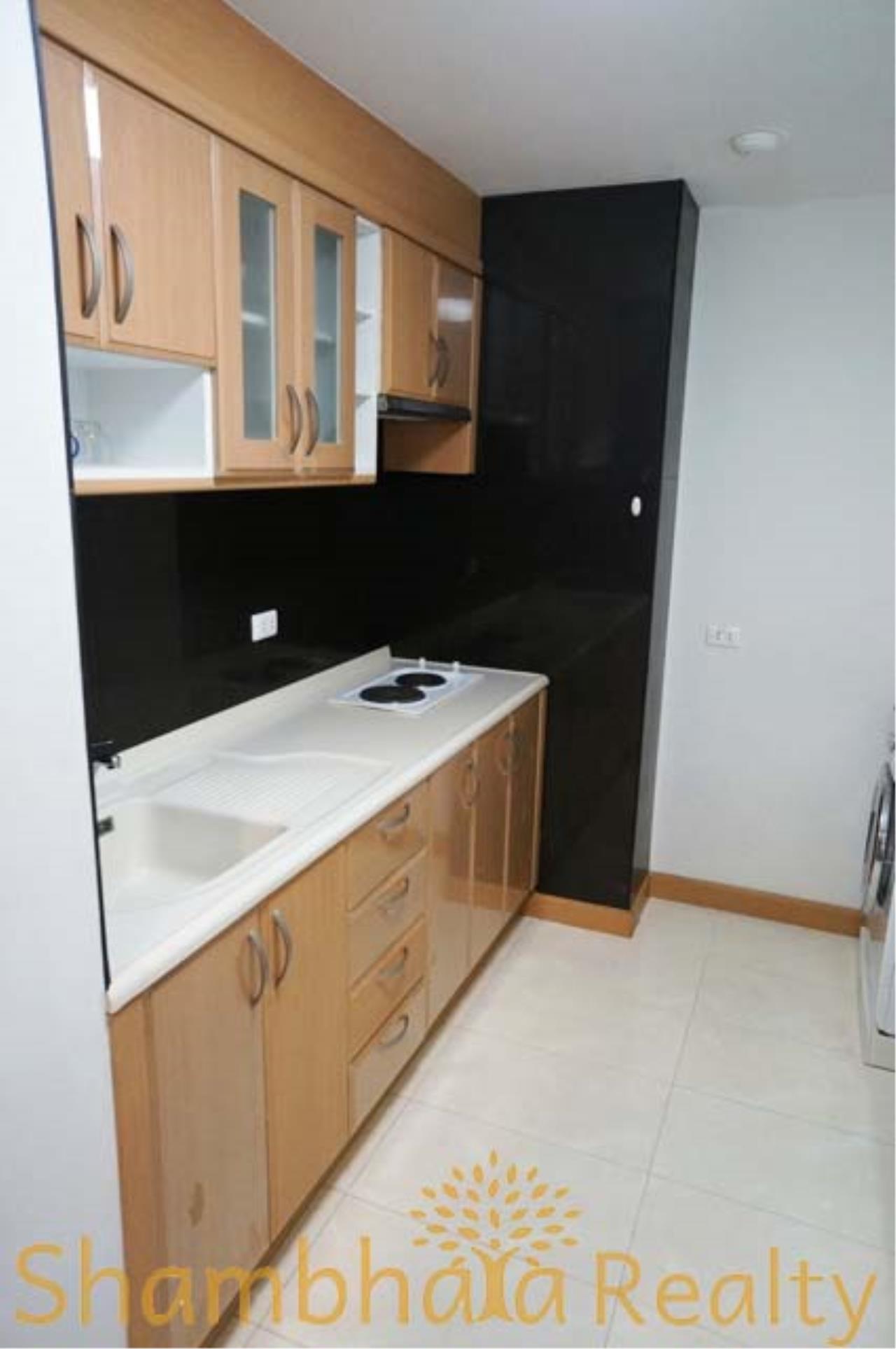 Shambhala Realty Agency's Serene Place Sukhumvit 24 Condominium for Rent in Sukhumvit 24 3