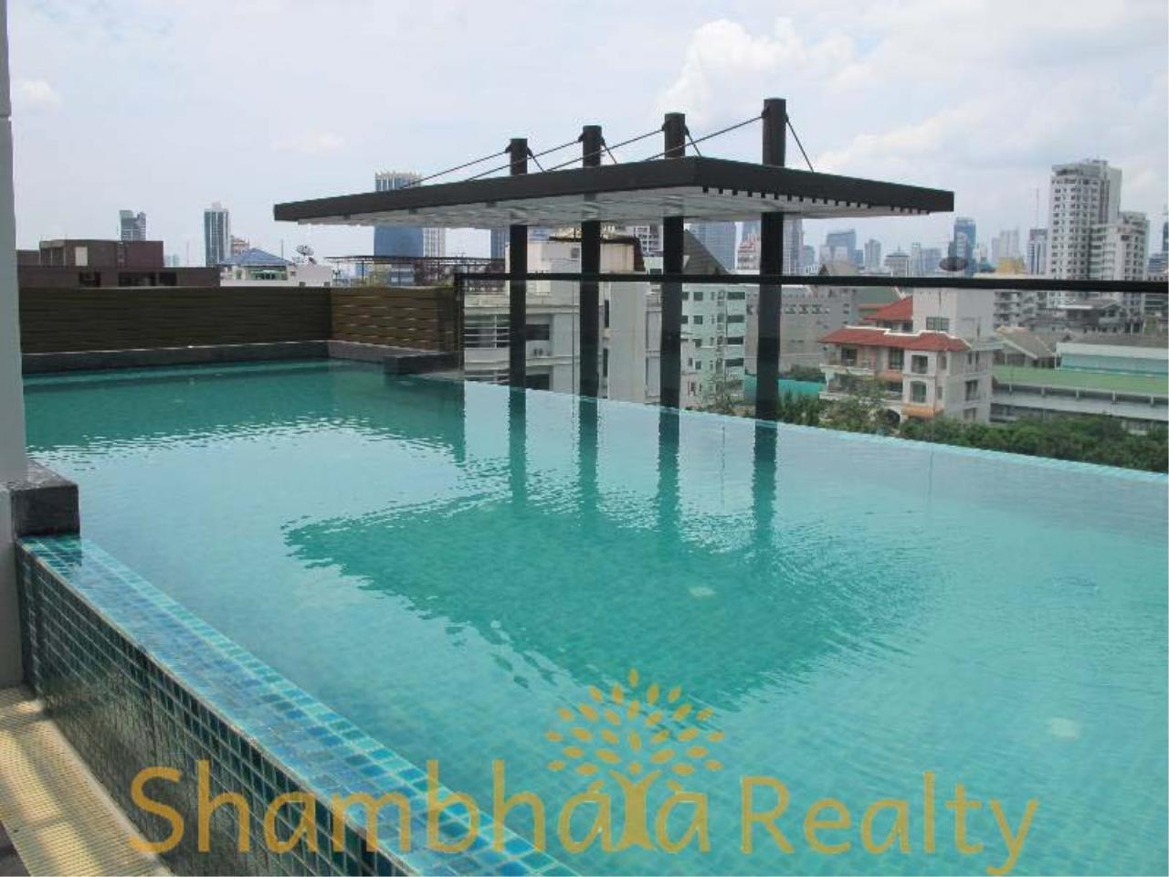 Shambhala Realty Agency's Socio Ruamrudee Condominium for Rent in Ruamrudee 2 2