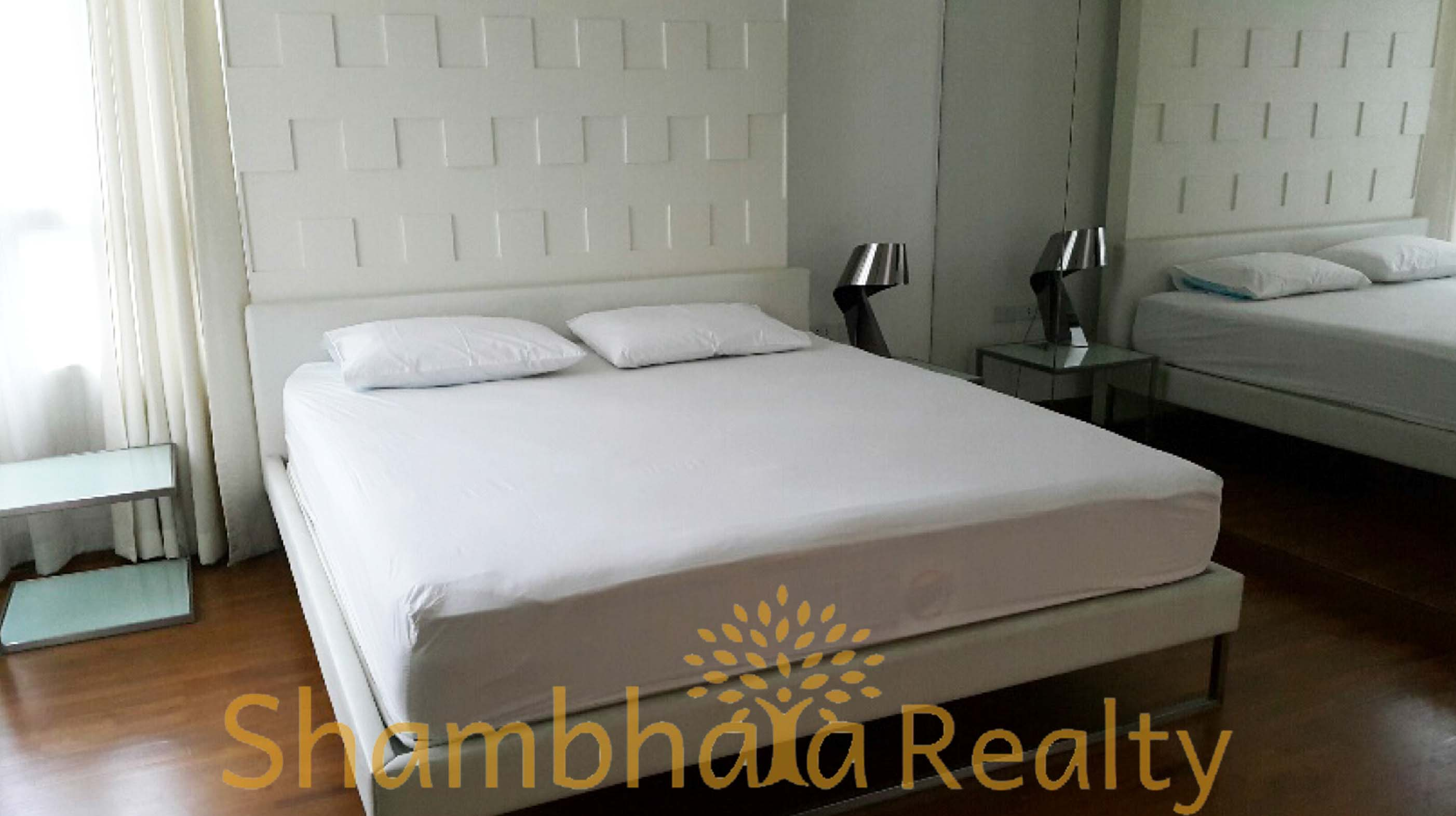 Shambhala Realty Agency's Baan Siri Sukhumvit 13 For Rent 1