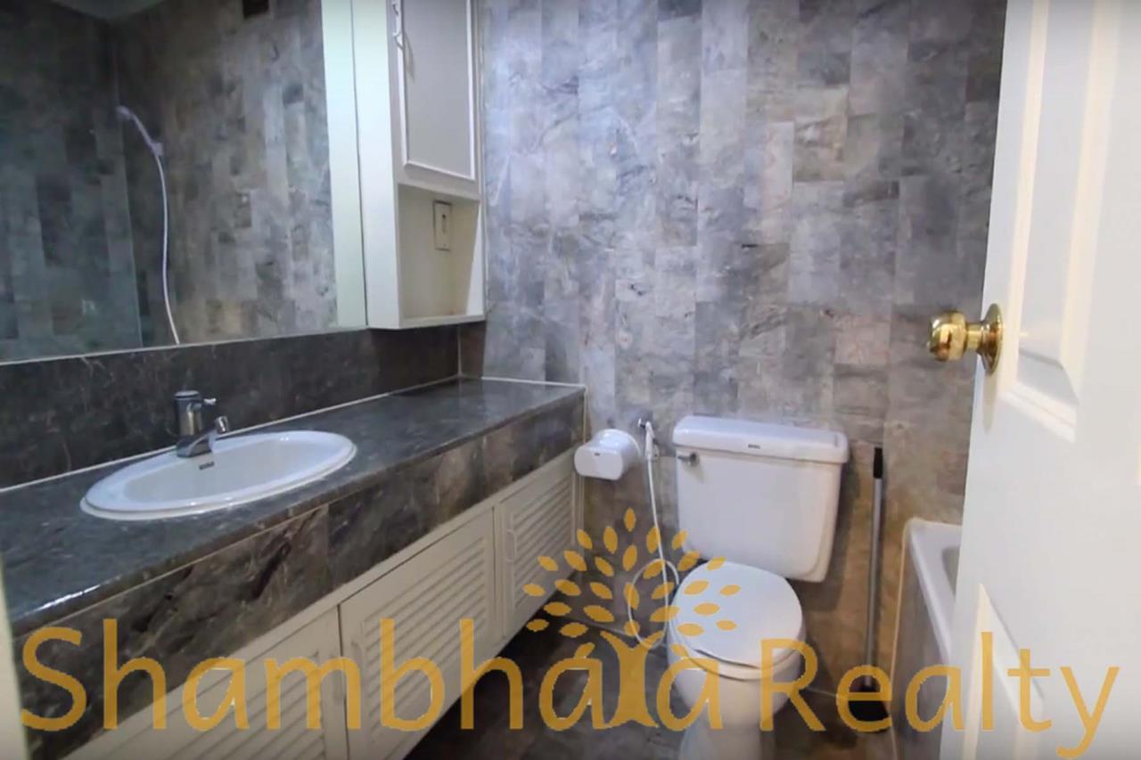 Shambhala Realty Agency's Trinity Complex Condominium for Rent in Silom 7 4