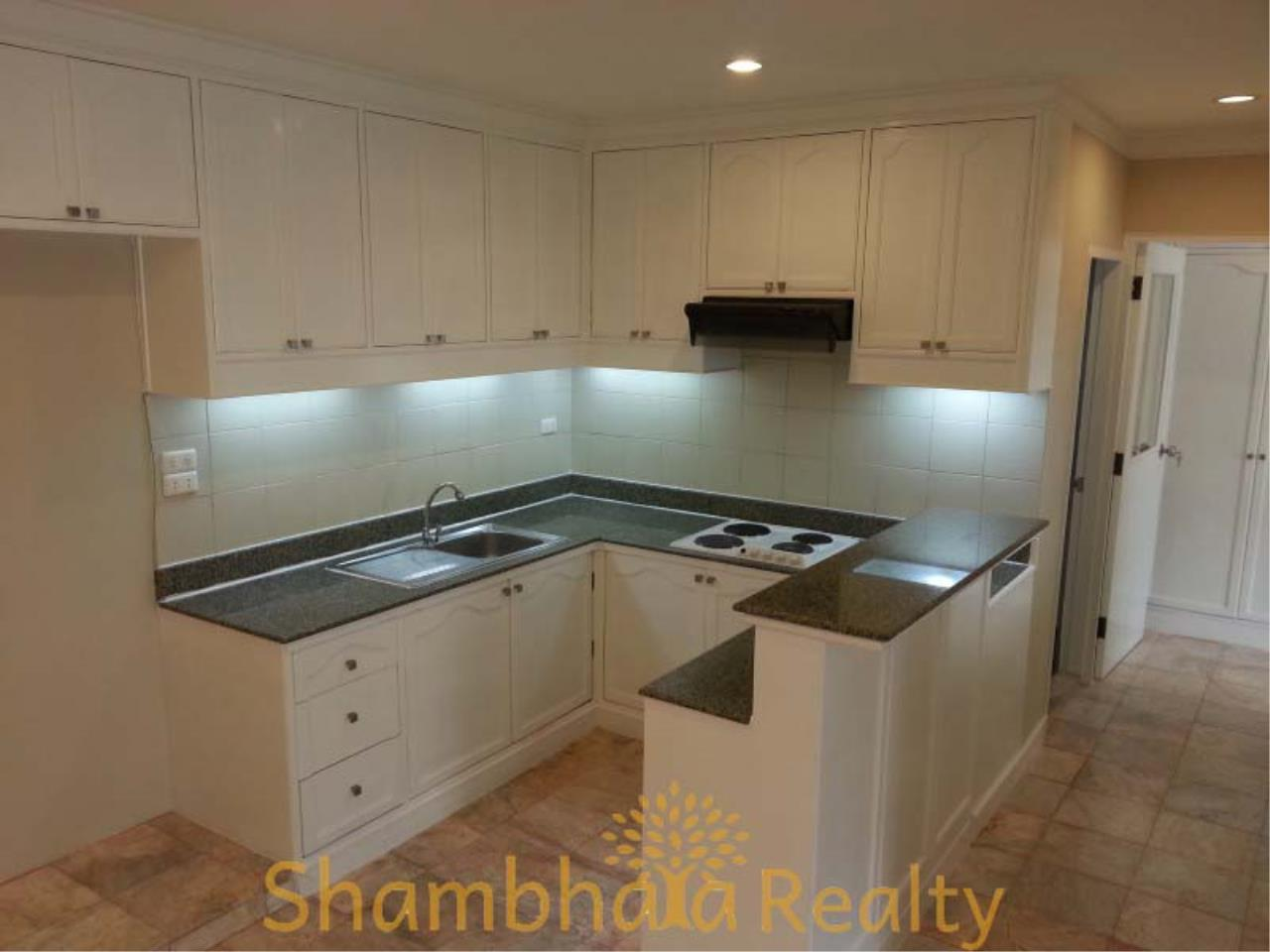 Shambhala Realty Agency's Saranjai Mansion Condominium for Rent in Sukhumvit Soi 4 (Nana) 13