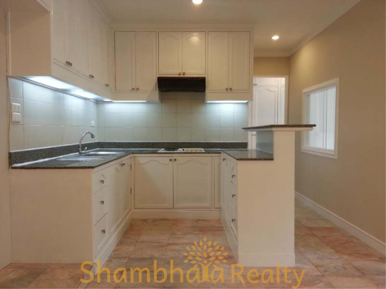 Shambhala Realty Agency's Saranjai Mansion Condominium for Rent in Sukhumvit Soi 4 (Nana) 9